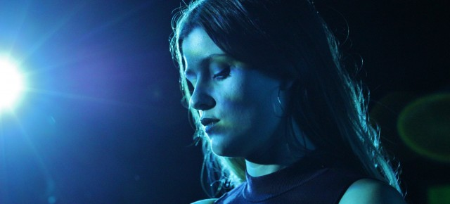 Concert: Swedish Singer LÉON Makes Her NYC Debut