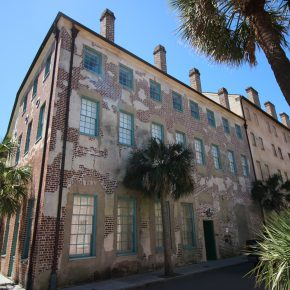 Lifestyle: Take a Walk Around Downtown Charleston, SC